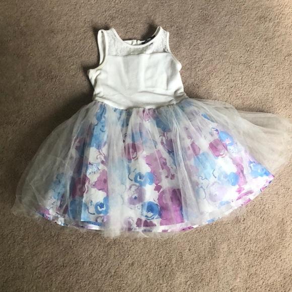 Disney Other - Girls White /flower bottom dress
